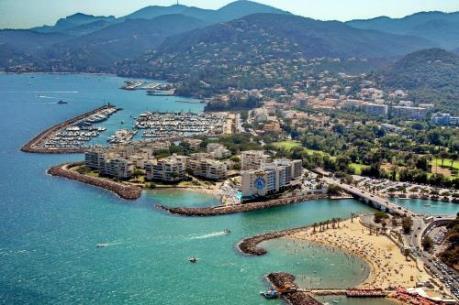 Lãng đãng một buổi sáng ở Cannes...