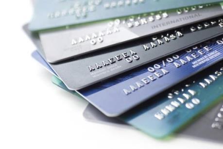 Bắt khẩn cấp đối tượng mở thẻ ATM để lừa đảo