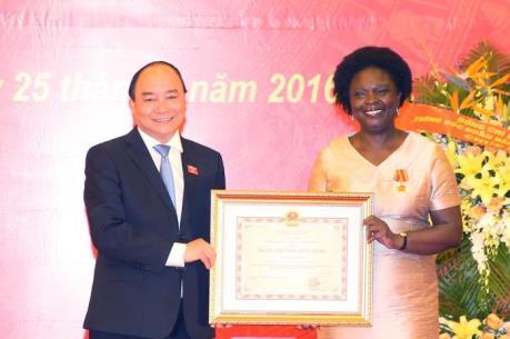 Thủ tướng Nguyễn Xuân Phúc trao tặng Huân chương Hữu nghị cho Phó Chủ tịch WB