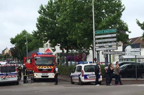 IS tung video về những kẻ tấn công nhà thờ ở Pháp