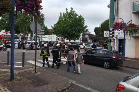 Tin mới nhất về đối tượng tấn công nhà thờ tại Pháp
