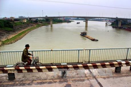 Xây dựng phương án và tổ chức lưu thông qua cầu Việt Trì cũ