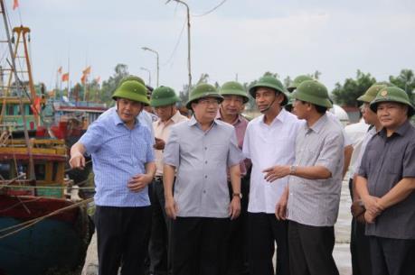 Phó Thủ tướng Trịnh Đình Dũng kiểm tra công tác ứng phó với bão số 1