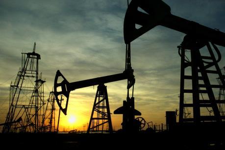 Giá dầu châu Á ngày 27/7 xuống mức thấp nhất gần ba tháng