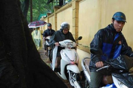 Ứng phó với bão số 3: Nhiều trường ở Hà Nội cho học sinh nghỉ học