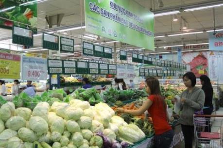 Ảnh hưởng bão số 1: Các siêu thị đủ nguồn cung và không tăng giá