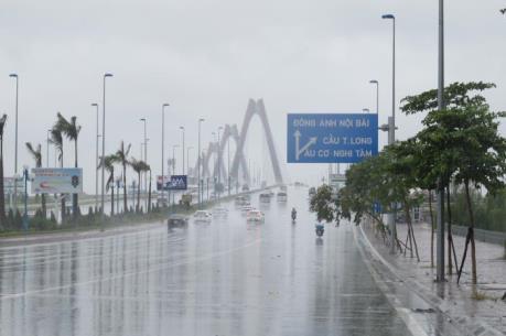 Giám sát chặt chẽ dự án nạo vét luồng khu vực cầu Nhật Tân, Hà Nội