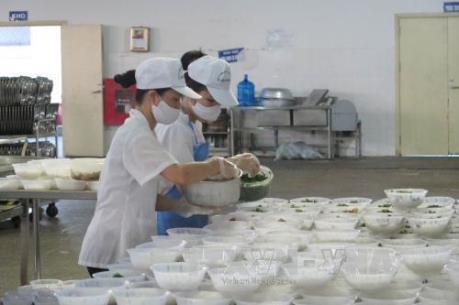 Bình Phước đình chỉ công ty hai lần liên tiếp khiến công nhân ngộ độc