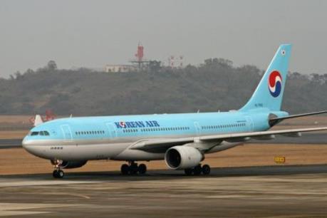 Máy bay của hãng Korean Airlines bị nổ lốp khi đang hạ cánh