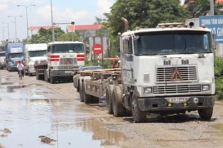 Doanh nghiệp bức xúc vì tuyến đường ngã 3 Đình Vũ – Hải Phòng chậm được sửa chữa