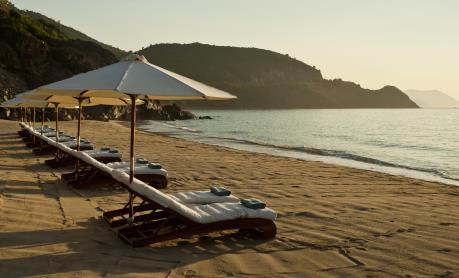 Bãi biển Cửa Đại là điểm du lịch rẻ nhất thế giới