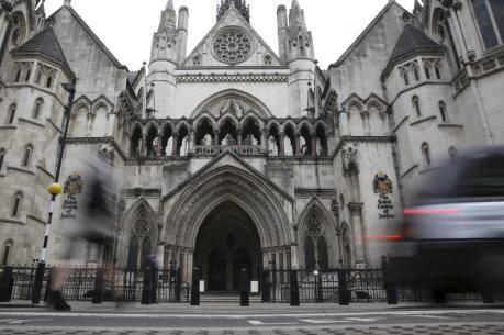 Nga yêu cầu Tòa án London hối thúc Ukraine thanh toán nợ