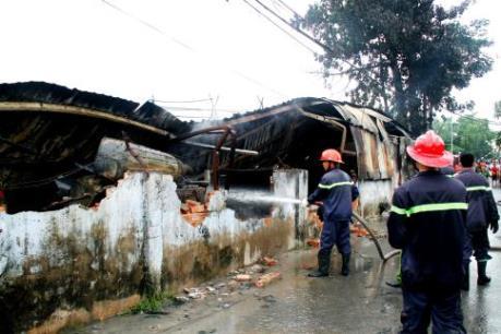 Bình Dương: Cháy xưởng sản xuất đồ chơi trẻ em, hàng trăm công nhân tháo chạy