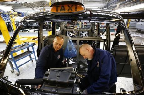 Kinh tế Vương quốc Anh có thể rơi vào suy thoái