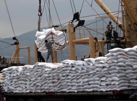 Trung Quốc cam kết mua 200.000 tấn gạo/năm từ Campuchia