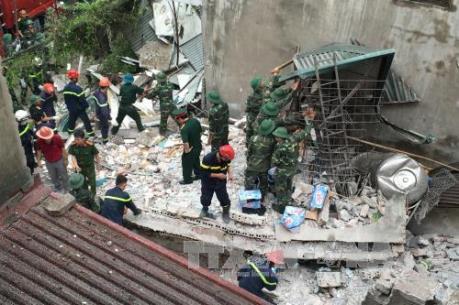 Vụ sập nhà tại phố cổ Hà Nội: Giải cứu được nạn nhân cuối cùng
