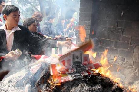 Lễ Vu Lan và những hiểu lầm về tục đốt vãng mã