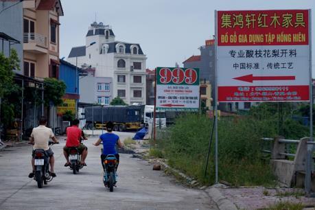 Bắc Ninh: Tháo dỡ những biển hiệu, biển chỉ dẫn không đúng quy định