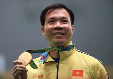 Vietravel thưởng nóng 10.000 USD cho vận động viên Hoàng Xuân Vinh