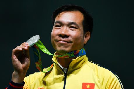 OLYMPIC 2016: Hoàng Xuân Vinh giành Huy chương Bạc 50m súng ngắn bắn chậm