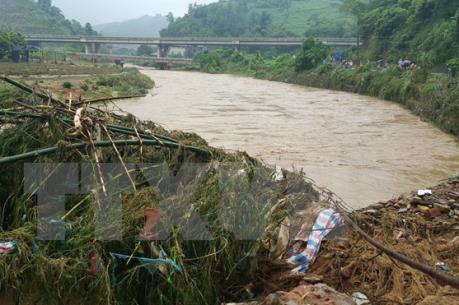 Lào Cai: Tìm kiếm 2 người nghi bị mất tích khi đi qua ngầm tràn