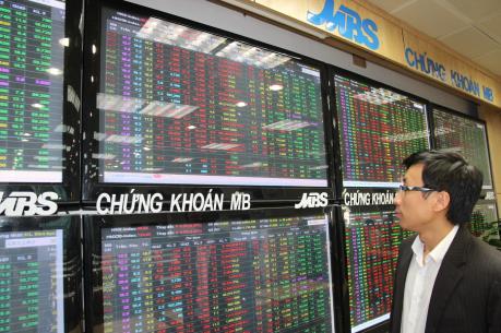 Chứng khoán chiều 11/8: Thanh khoản tăng mạnh, VN-Index vượt ngưỡng 660 điểm