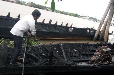 Hỏa hoạn tại bến tàu làm cháy 13 tàu du lịch, 4 bè cá bị chìm