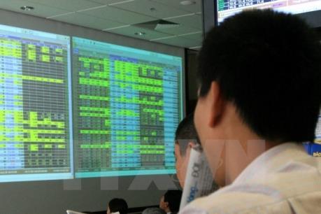 Chứng khoán chiều 12/8: VN-Index giảm gần 5 điểm do cổ phiếu ngân hàng sụt giảm