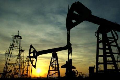Giá dầu châu Á vẫn bám sát mức cao nhất trong ba tuần