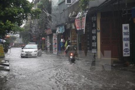 Dự báo thời tiết: Áp thấp nhiệt đới gây mưa lớn diện rộng
