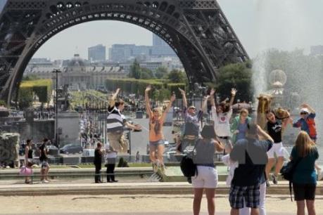 Du lịch Pháp thiệt hại nặng sau các cuộc khủng bố