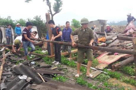 Yên Bái: 3 người bị thương, 8 ngôi nhà bị thiệt hại do mưa lớn