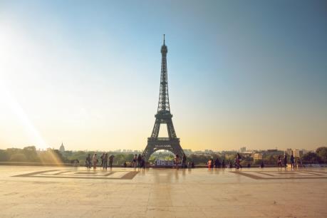Du lịch Pháp: Sóng gió bắt đầu nổi lên