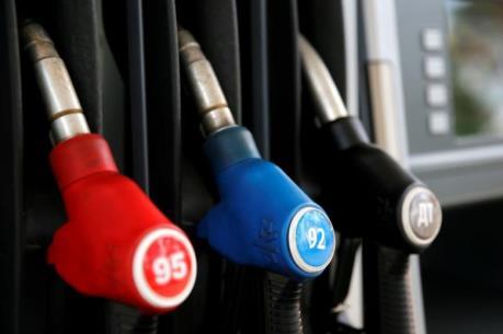 Giá dầu thế giới ngày 15/8 tăng mạnh