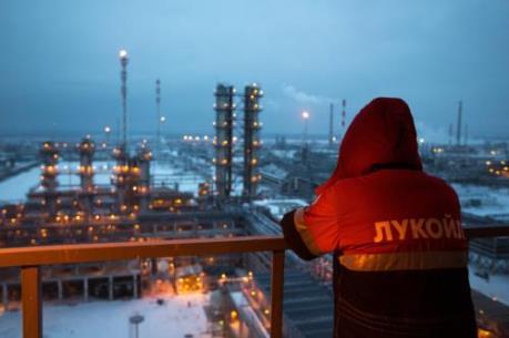 """Giá dầu đi lên khi Nga """"bóng gió"""" về khả năng hợp tác với OPEC"""