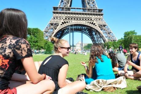 Năm học mới sẽ đắt đỏ hơn đối với sinh viên Pháp