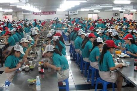 Xử phạt 2 cơ sở vi phạm về an toàn thực phẩm trong các khu, cụm công nghiệp