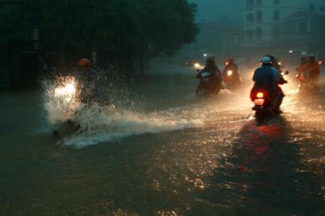 Dự báo thời tiết đêm nay và sáng mai: Mưa lớn diện rộng trên khu vực Bắc Trung Bộ