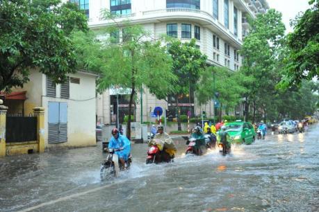 Ảnh hưởng bão số 3: Cảnh báo ngập úng tại một số tuyến phố nội thành Hà Nội