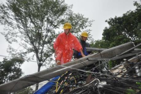 Cơn bão số 3: EVN tiếp tục khắc phục các sự cố về điện