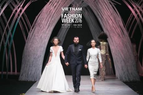 Tuần lễ thời trang quốc tế Việt Nam Thu Đông 2016 lần đầu tiên ra mắt khán giả Thủ đô