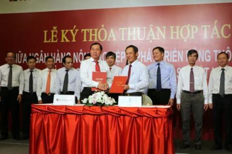 Agribank hợp tác toàn diện với Tập đoàn Công nghiệp Cao su Việt Nam