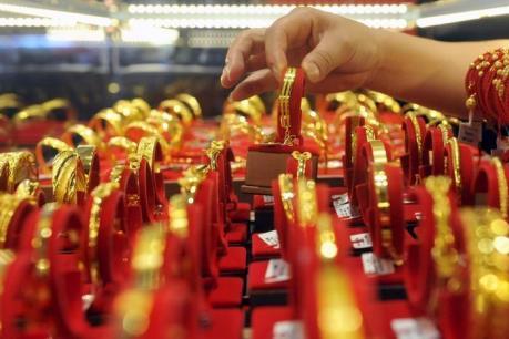 Giá vàng thế giới ngày 22/8 giảm xuống mức thấp nhất 2 tuần
