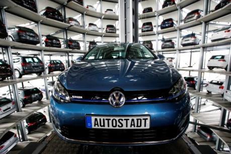 VW tiếp tục gặp khó do tranh chấp với các nhà cung cấp linh kiện