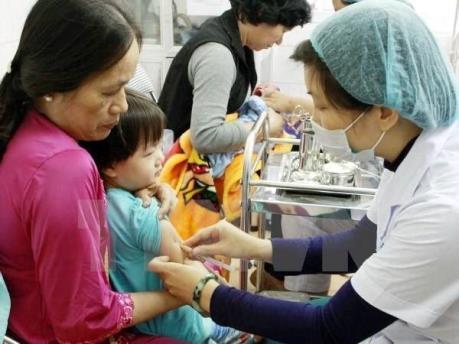 9 giờ sáng 26/8 mở đăng ký 5.000 liều vắc xin Pentaxim