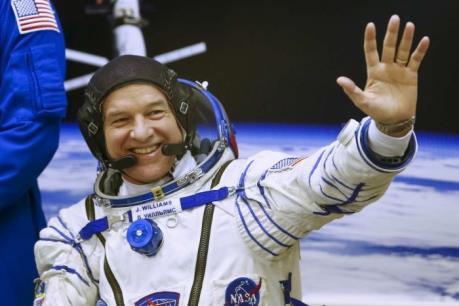Nhà du hành vũ trụ Jeff Williams phá kỷ lục về thời gian sống trong không gian