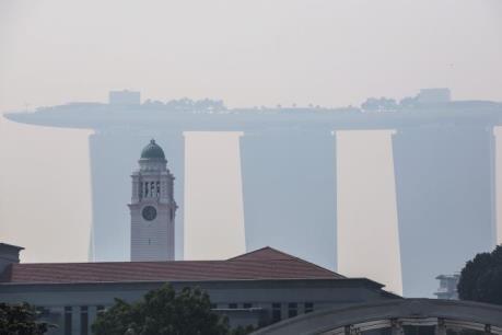 Singapore chìm trong đợt khói mù đầu tiên của năm