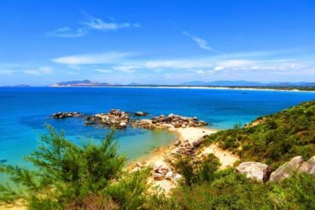 Bình Định triển khai hơn 40 dự án về phát triển du lịch biển