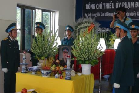Lễ tang Thiếu úy, học viên phi công Phạm Đức Trung