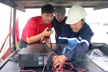Sử dụng thiết bị liên lạc trên tàu thuyền chưa hiệu quả